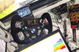 PLEX_SDM-700_CS_RACING_BMW1